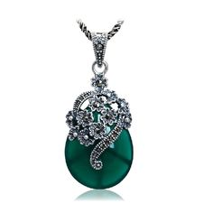 Jade Angel Thailand 925 Silver Pendant Necklace with Stone and Marcasite (Green). Thailand Silver Necklace. 925 silver jewelry. Vintage Jewelry. gemstone size :22x32. The pendant comes with 925 silver chain 18 inches.
