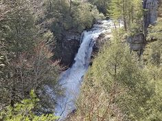 Piney Creek Falls is a 95-foot waterfall located along Piney Creek, about a mile above its confluence with Cane Creek. Trails lead to the base of the falls and an overlook above the falls. Location: near Spencer, Tennessee in Fall Creek Falls State Park.