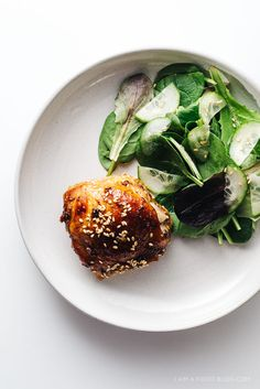 Take-out at home: make this quick and easy oven-baked sesame chicken thigh recipe for dinner tonight! #chicken #dinner #takeoutathome