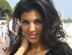 Aylar Lie's Popularity Ranking on Internet by CelRank Persian Girls, Good Looking Women, Female Singers, How To Look Better, The Past, Hair Beauty, Popular, Long Hair Styles, Celebrities