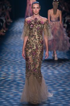 Marchesa Spring 2017 Ready-to-Wear Fashion Show