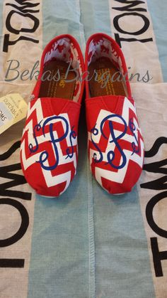 Custom Hand Painted Chevron Monogram Toms by BekasBargains on Etsy, $110.00 Toms Canvas Shoes, Painted Canvas Shoes, Cheap Toms Shoes, Toms Shoes Wedges, Hand Painted Shoes, Painted Toms, Cute Shoes, On Shoes, Me Too Shoes
