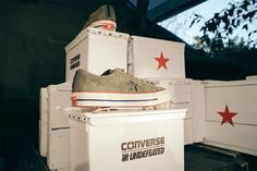 5f73810454ec56 UNDEFEATED x Converse One Star Sneaker Pack