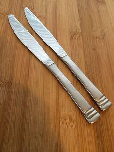 "Cambridge Codie Satin Silversmith Stainless Ridge Bands 2 Dinner Knives 8 "" | eBay"