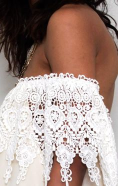 top 3 off-the-shoulder lace dresses