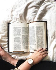 #coolphotos #bible #reading