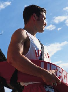 10 Tips For Hitting On A Lifeguard