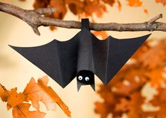 Fun Halloween Bat crafts.  Too cute!