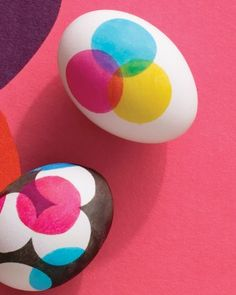Easter Eggs with Overlapping Dot Designs from Martha Stewart.....I'm thinking we could do this with do a dot markers!