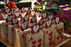 Rice Krispie Treats at a Alice in Wonderland Party #aliceinwonderland #treats