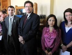 Familiares de Newtown apoyan a Obama.