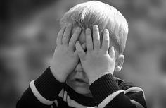Un bebé necesita de sus padres para sobrevivir. Cuando sus padres no aportan la protección necesaria o aterrorizan al bebé, se produce el trauma temprano