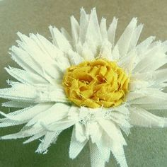fabric flower tutorial Sweet Daisies Pattern - How to make flowers email PDF ebook - diy fabric flower accessories