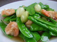 Thai food: ผัดถั่วลันเตากุ้งสด (Stir Fried Sugar Pea with Shrimp)