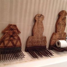 Farmhouse style and decor, flax combs as wall/display shelves for many different items Farmhouse Style, Farmhouse Decor, Display Shelves, Midcentury Modern, Mid Century, Antiques, Wall, Home Decor, Exhibition Stands