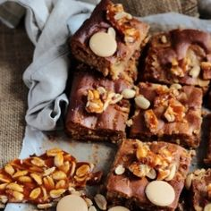Gooey peanut butter and caramac blondies with peanut brittle {recipe}