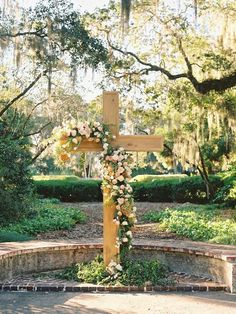 If you're planning on having your wedding in a church, you need to consider the best wedding flowers for your venue. That way, you can add a magical and romantic touch to your special day. You will have an easy time choosing church wedding flowers to. Wedding Ceremony Ideas, Wedding Altars, Wedding Aisles, Wedding Church, Wedding Ceremonies, Fall Wedding, Wedding Reception, Floral Wedding, Wedding Flowers