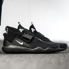 buy online 654d3 f6034 NikeLab ACG 07 KMTR (902776-001) Black White New Arrival  solecollector