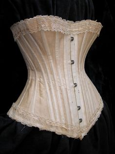 A corset, like Filly would have worn in The Christmas Bargain holiday romance. 1890s Fashion, Victorian Fashion, Vintage Fashion, Victorian Gothic, Gothic Lolita, Gothic Fashion, Vintage Corset, Victorian Corset Dress, Corset Pattern