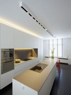 Modern Kitchen Interior Look into our gallery including 46 Inspiring Kitchen Lighting Ideas and also discover the motivation for your kitchen! Small Kitchen Lighting, Kitchen Lamps, Kitchen Chandelier, Kitchen Lighting Fixtures, Kitchen Decor, Ceiling Fixtures, Design Kitchen, Kitchen Ideas, Kitchen Cabinets