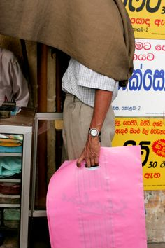 Photo: Dean Dorat / Sri Lanka.  www.deandorat.co.uk