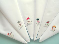 6 or 8 Snowman, white cotton napkins, hand embroidered, winter napkins, Holiday napkins, dinner serviettes, textile art, Christmas table