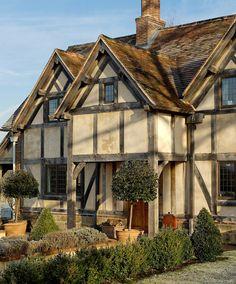 Cottages - Border Oak - oak framed houses, oak framed garages and structures. Cottage Interiors, Cottage Homes, Cottage Style, Interesting Buildings, Beautiful Buildings, Beautiful Homes, Beautiful Places, Tudor House, Tudor Cottage