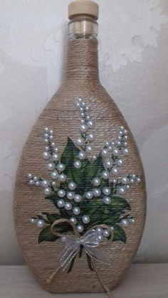 Products from jute threads Photo OK R Glass Bottle Crafts, Wine Bottle Art, Painted Wine Bottles, Diy Bottle, Jute Crafts, Diy Crafts, Bottle Painting, Mason Jar Crafts, Diy Flowers
