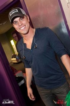 Dustin Lynch, gorgeous even without the cowboy hat.