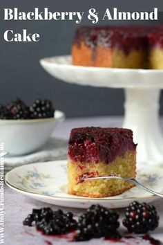 and Almond is a really easy cake making great use of It's presented as an upsidedown cake and is definitely Blackberry Upside Down Cake, Blackberry Cake, Cupcake Recipes, Cupcake Cakes, Dessert Recipes, Fruit Cakes, Cupcakes, Almond Cakes, Vegan Baking