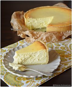 Kleines Kulinarium: Käsekuchen - ein Klassiker - Mürbeteigboden mit Quark-Butter-Eier-Masse - http://kleineskulinarium.blogspot.de/2015/12/kasekuchen-ein-klassiker.html