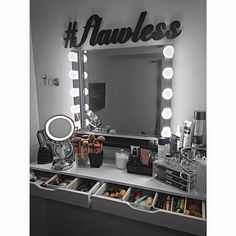 Room ideas Best Picture For makeup room ideas shelves For Your Taste You are looking for something, Teen Room Decor, Room Ideas Bedroom, Bedroom Decor, Vanity Room, Beauty Room, My New Room, House Rooms, Room Inspiration, Decoration