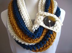 Chunky Bulky Button Crochet Cowl....Savannah...could you do this in boomer and OSU colors?