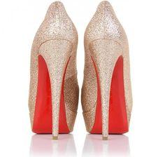 Add VA VA VOOM to your Heels with Rosso Solini