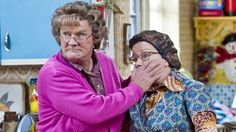 When the script called for a large extended family, Brendan O'Carroll cast a real world one - his own! Yet the relationships aren't quite what they are in 'Mrs Brown's Boys'. Comedy Tv, Comedy Show, Mrs Browns Boys, Best Tv Series Ever, Hysterically Funny, Call The Midwife, Uk Tv, British Comedy, Crazy Funny Videos