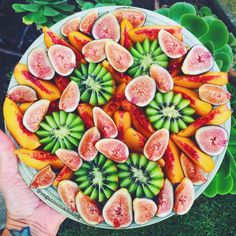 This might be the prettiest fruit bowl I've ever seen! Every summer I try to be more healthy and use fruit as snacks. But if they are fresh and ripe, it's almost like dessert!