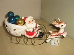VINTAGE CERAMIC ~ THAMES~ CHRISTMAS SANTA, REINDEER & SLEIGH FIGURINE ~ JAPAN