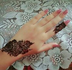 Post by Shabnam 💖💖shaba💖💖 ( on mehendi Finger Henna Designs, Mehndi Designs For Girls, Henna Art Designs, Mehndi Designs For Fingers, Modern Mehndi Designs, Unique Mehndi Designs, Mehndi Design Pictures, Beautiful Mehndi Design, Latest Mehndi Designs