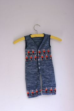 Vintage baby romper knit with soldiers 6 months by fuzzymama, $10.00