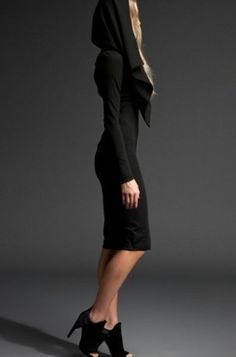 KIMBERLY OVITZ BLACK ZIPPER LONG SLEEVE CAPE DRESS on www.fullcirclefashion.com