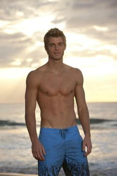 Luke Mitchell from The Tomorrow People is hot... and needs a spankin'!
