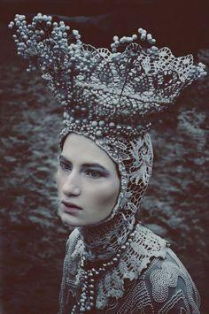 designer Agnieszka Osipa/ photo.Marcin Nagraba/ model Wiktoria Soszyńska / mua Patryk Nadolny
