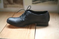 """Dolce Vita """"Price"""" oxford style flats. 2 pairs left! sizes 6, 7.5"""