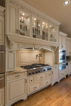 Country Kitchen Designs, French Country Kitchens, Rustic Kitchen Design, Luxury Kitchen Design, Farmhouse Kitchen Decor, Luxury Kitchens, Kitchen Redo, Kitchen Styling, Home Kitchens