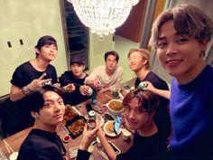 Taehyung, Bts Suga, Bts Bangtan Boy, Bts Lockscreen, Jung Kook, Rap Monster, Elvis Presley, Bts Concept Photo, Bts Group Photos