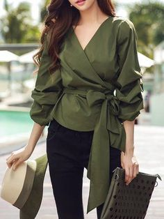 Green Bow Cotton V Neck Casual Blouse - Street Style Green Bow Cotton V Neck Casual Blouse - Source by soyipata Outfits hijab Look Fashion, Korean Fashion, Fashion Design, Black Party Tops, Classy Outfits, Casual Outfits, Fall Outfits, White Peplum Tops, Designs For Dresses