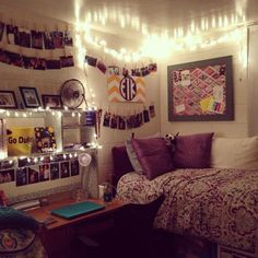 I am a huge fan of photos and memories, so anything that will help do that in my dorm is a plus. My New Room, My Room, Dorm Design, Dorm Life, College Life, Boho Room, College Dorm Rooms, Bedroom Decor, Bedroom Ideas