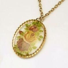 Beautiful #vintage long length gold pendant necklace by #MyClassicJewelry: http://stores.ebay.com/My-Classic-Jewelry-Shop
