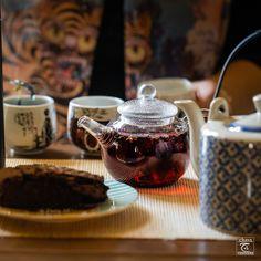 world of tea Gin And Tonic, Matcha, Tea Pots, Magic, Purple, Drinks, Tableware, Life, Drinking