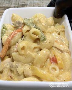"""Ali Chef 🍷 on Instagram: """"Si os gustan las fajitas mexicanas tenéis que probar esta PASTA... ¡Cremosa y con mucho sabor! 🔥🔥🔥  — #pasta #pastarecipe #pastalover…"""" Fajitas, Macaroni And Cheese, Pasta Cremosa, Pizza, Ethnic Recipes, Food, Instagram, Italian Cooking, Rice"""